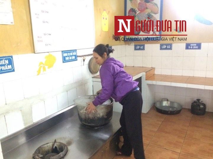 """Cận cảnh """"than lạnh tro nguội"""" bếp ăn trường Thanh Khương sau bê bối thực phẩn bẩn - Ảnh 4"""