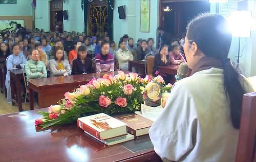 Vụ chùa Ba Vàng: Bà Phạm Thị Yến muốn gặp gia đình nữ sinh giao gà ở Điện Biên để xin lỗi - Ảnh 1