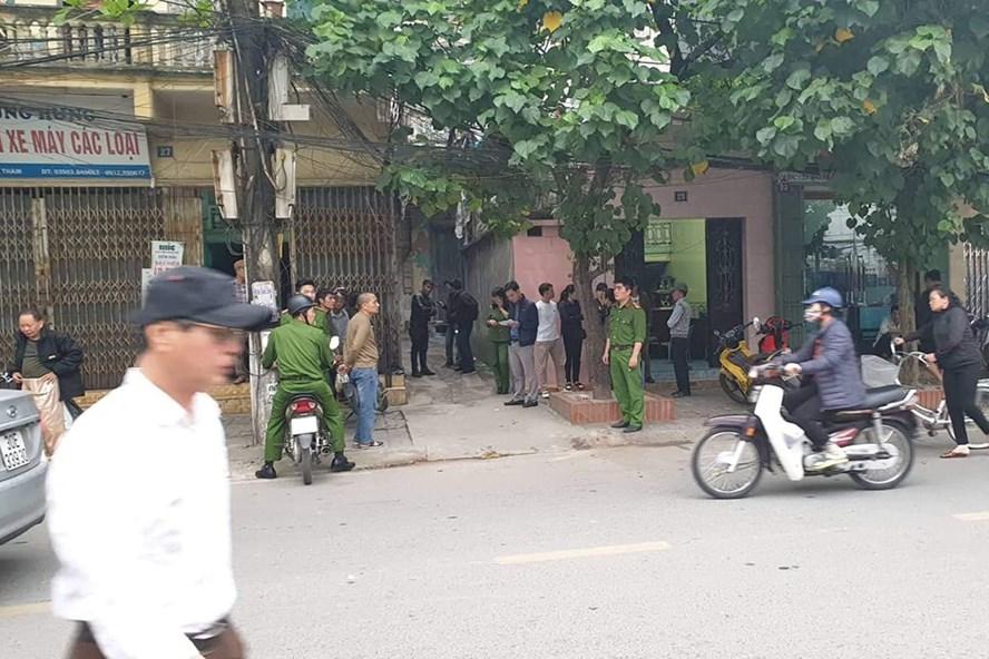 Vụ thầy bói truy sát cả gia đình thầy cúng ở Nam Định: Bé 18 ngày tuổi may mắn thoát nạn - Ảnh 1