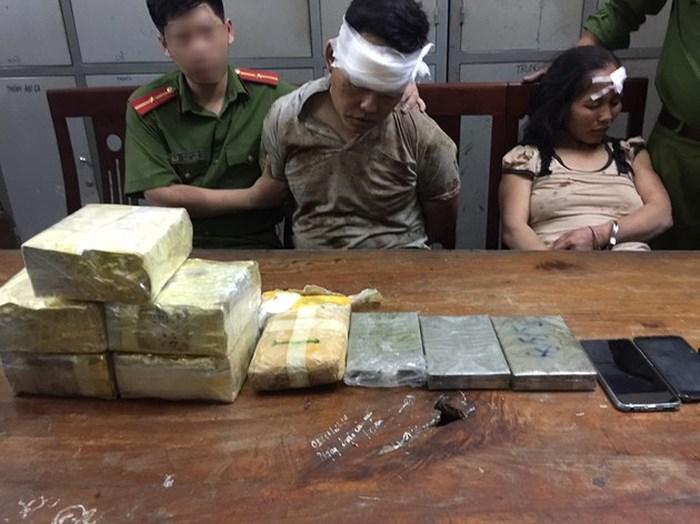 Bắt quả tang trưởng bản cùng vợ người Lào liên thủ buôn ma túy xuyên quốc gia - Ảnh 1