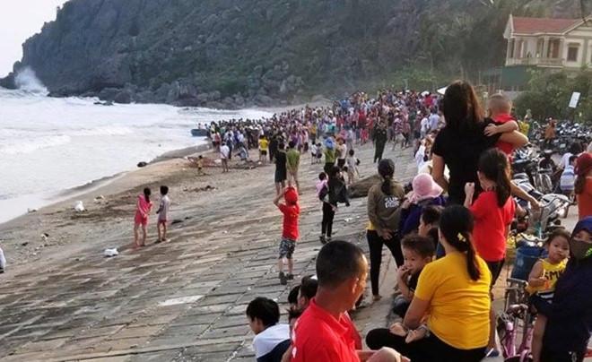 """Tin tức thời sự 24h mới nhất ngày 12/4/2019: Thầy giáo bị """"tố"""" dâm ô nhiều nam sinh ở Hà Nội là ai? - Ảnh 2"""