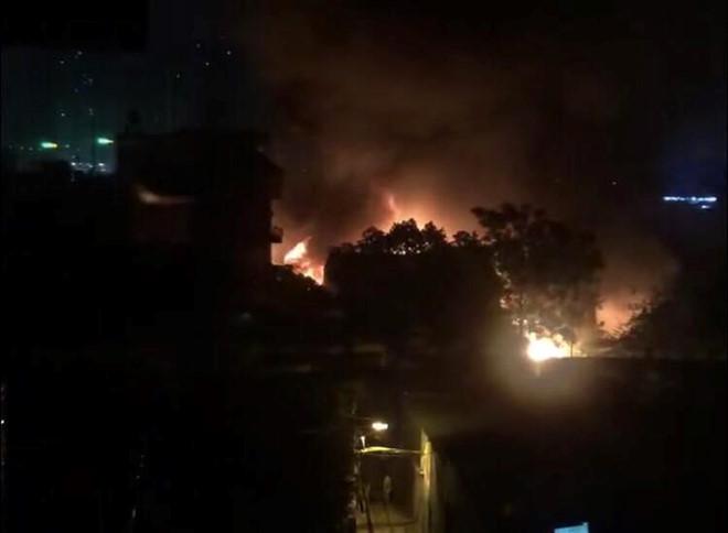 Vụ cháy ở Hà Nội: Xác định có ba mẹ con mất tích trong số 8 nạn nhân - Ảnh 3