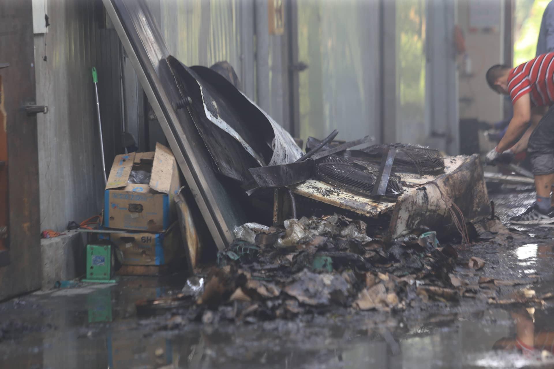 Vụ cháy xưởng ở Hà Nội: Xót xa 3 mẹ con đi khám bệnh chết cháy cùng bố - Ảnh 2