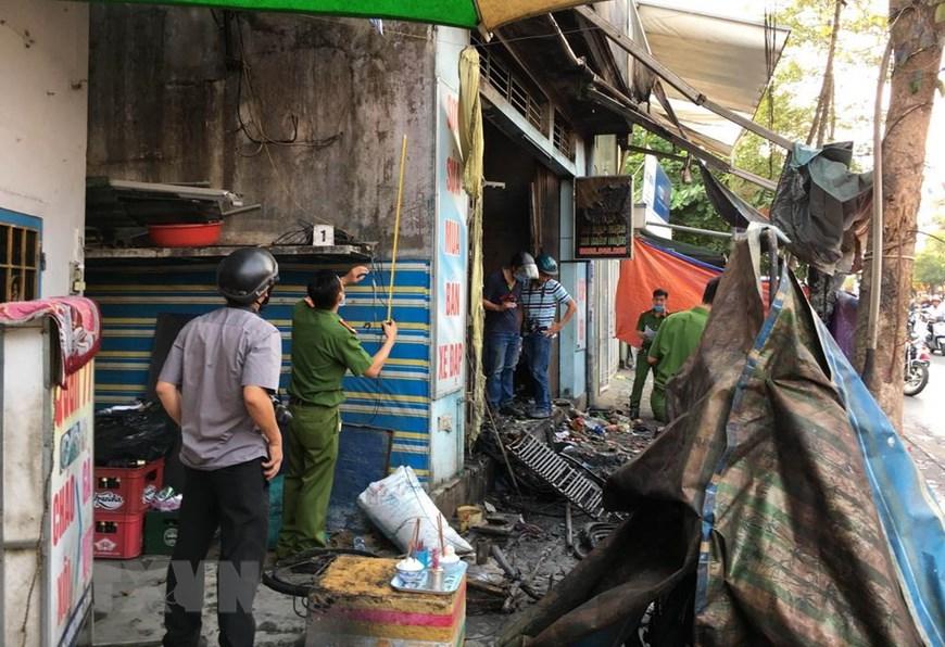 Bố mẹ cùng con gái tử vong trong căn nhà bốc cháy: Thi thể 3 nạn nhân nằm trên gác lửng - Ảnh 2
