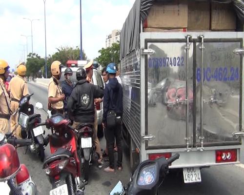 Lại bắt giữ hơn 1 tấn ma túy đá ở Sài Gòn - Ảnh 2