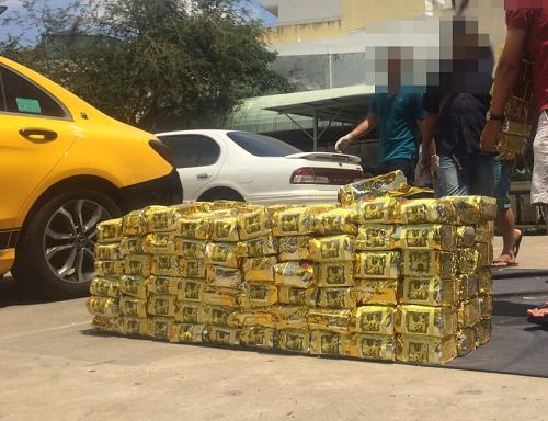 Lại bắt giữ hơn 1 tấn ma túy đá ở Sài Gòn - Ảnh 1