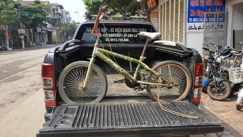 Chiếc xe đạp không phanh của cậu bé vượt 100km xuống Hà Nội thăm em được mua với giá 103 triệu đồng - Ảnh 1