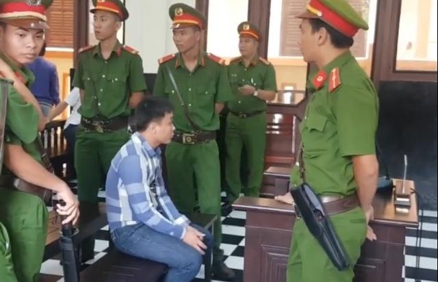 Hung thủ giết 3 người nhà vợ mong sớm được tuyên án tử, xin hát bài Éo le cuộc tình - Ảnh 1