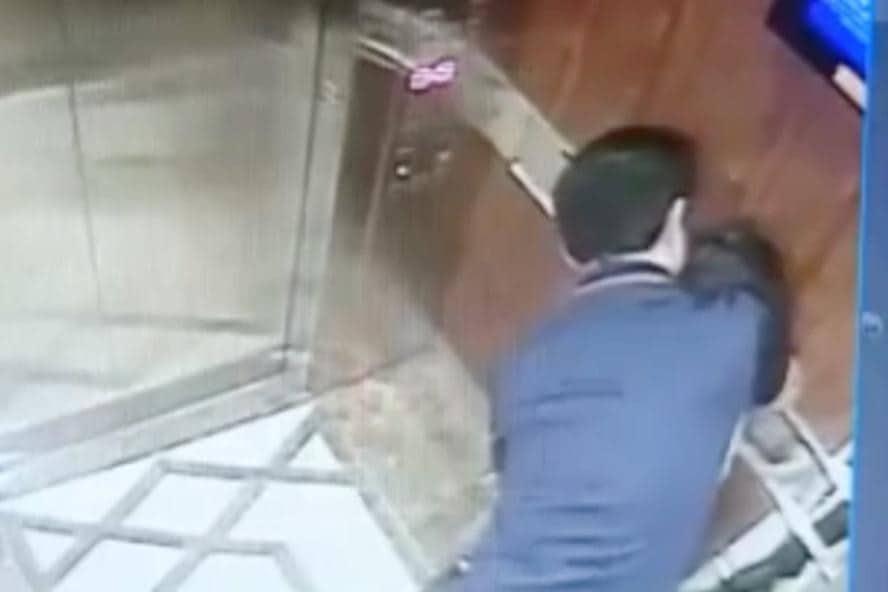 Vụ sàm sỡ bé gái trong thang máy: Ông Nguyễn Hữu Linh có bị thu hồi thẻ luật sư? - Ảnh 3