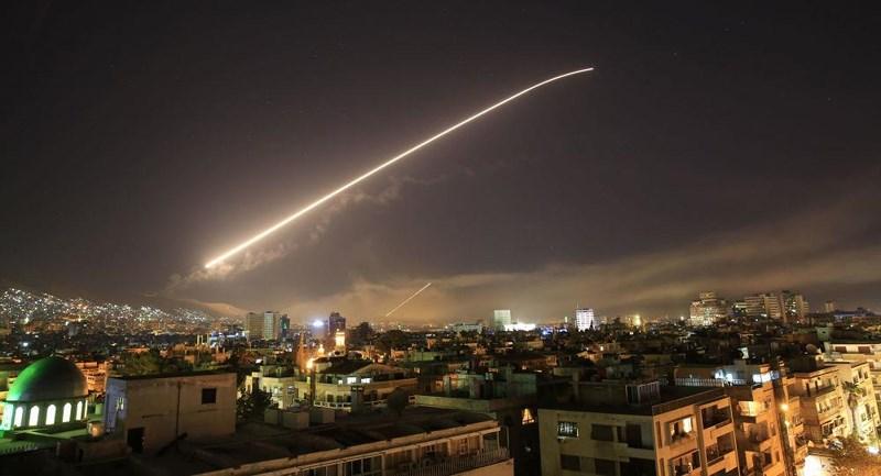 """Syria tuyên bố bắn hạ nhiều """"tên lửa"""" từ phía Israel - Ảnh 1"""