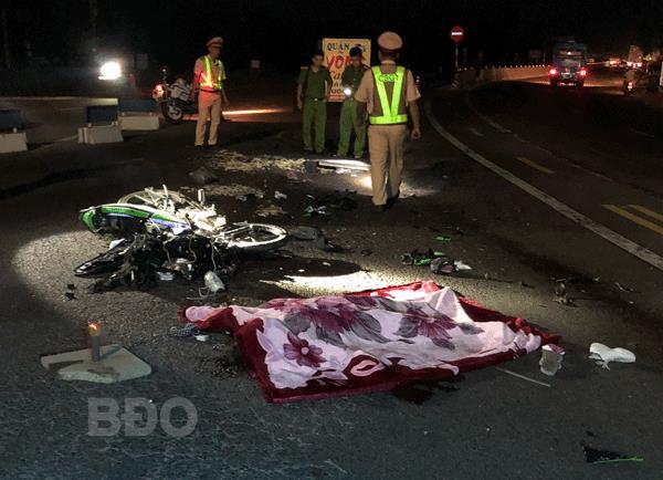 Yên Bái: Xe máy đâm cực mạnh vào ô tô khách, 2 thiếu niên tử vong - Ảnh 2