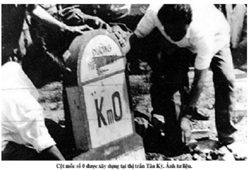 Cột mốc số 0 lịch sử và hồi ức người lập kỷ lục lái xe trên đường Trường Sơn - Ảnh 1