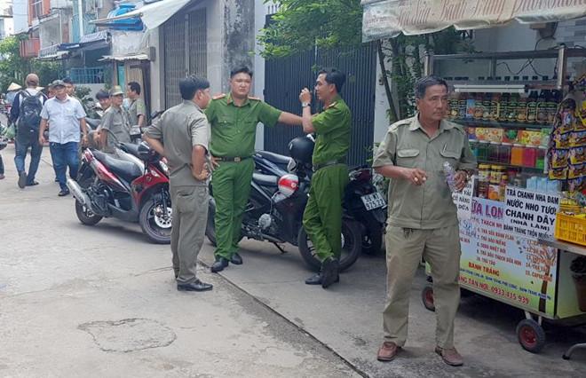 """Thảm án 3 người chết ở Bình Tân: """"Tôi chỉ biết chắp tay van vái trời phật khi trốn trong tủ"""" - Ảnh 1"""