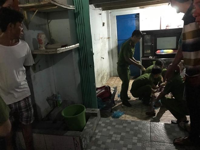 Vụ 2 thanh niên gục trên vũng máu trong phòng trọ: Người bí ẩn gọi báo cảnh sát 113 - Ảnh 2