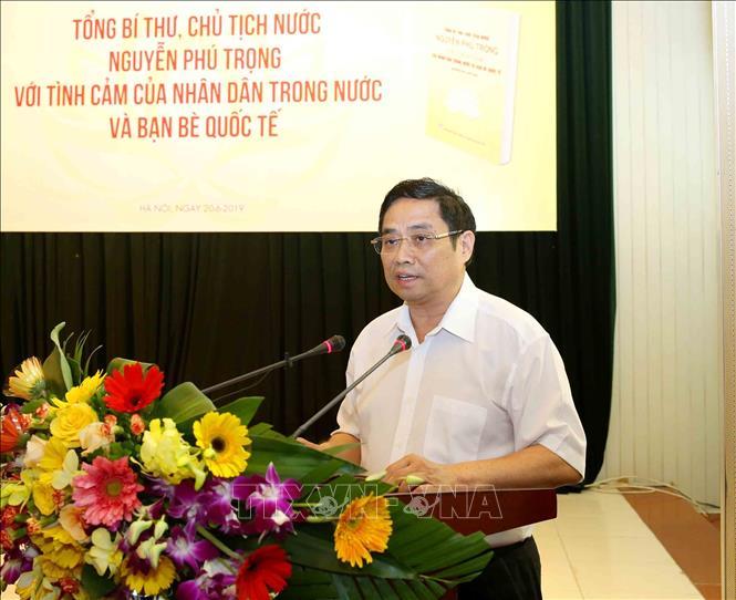 """Ra mắt sách """"Tổng Bí thư, Chủ tịch nước Nguyễn Phú Trọng với tình cảm của nhân dân trong nước và bạn bè quốc tế"""" - Ảnh 2"""