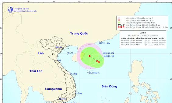 Vùng áp thấp trên Biển Đông có thể mạnh lên thành áp thấp nhiệt đới - Ảnh 1