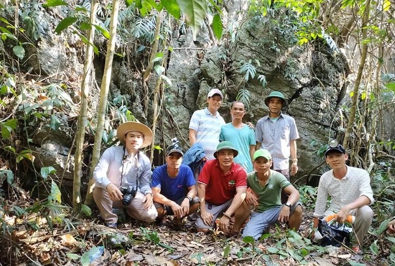 4 người dân bất ngờ phát hiện hang động nhũ thạch tuyệt đẹp trong lúc đi rừng - Ảnh 2