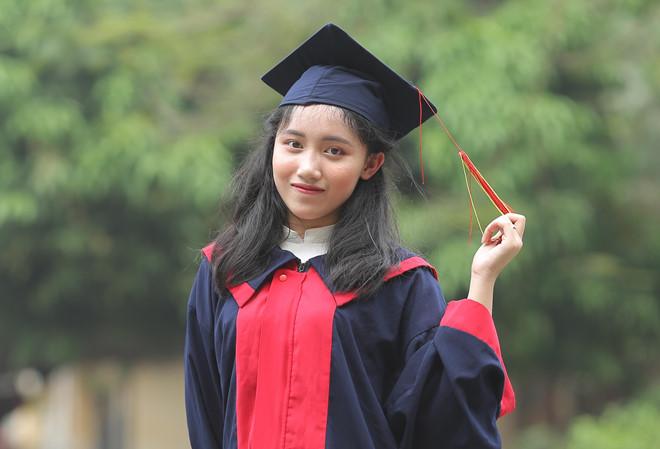 Nữ sinh Phú Thọ đạt 2 điểm 10, thủ khoa khối B toàn quốc: Không đi học thêm, chỉ ôn theo chương trình của trường - Ảnh 1