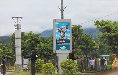 Vụ nữ sinh giao gà bị sát hại ở Điện Biên: Cận cảnh Lường Văn Hùng thực nghiệm hiện trường - Ảnh 1