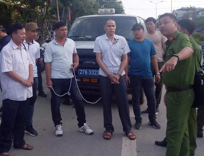 Vụ nữ sinh giao gà bị sát hại ở Điện Biên: Vương Văn Hùng diễn lại hành vi tội ác - Ảnh 2