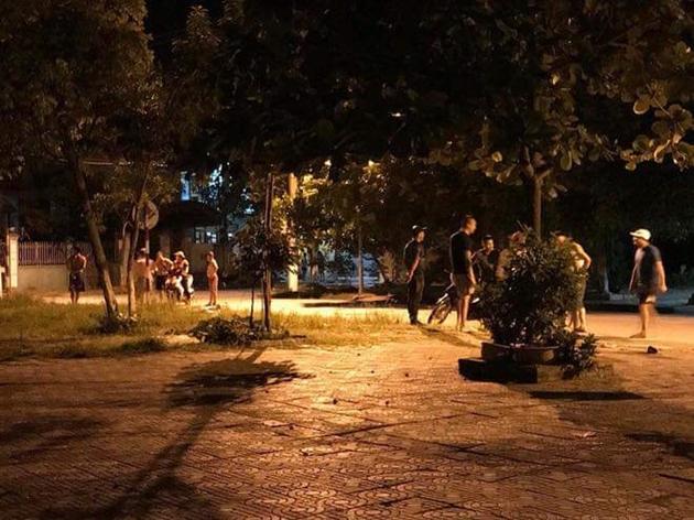 """Video: Người phụ nữ tay không chống trả thanh niên """"điên cuồng"""" cầm kiếm truy sát ở Quảng Ninh - Ảnh 1"""