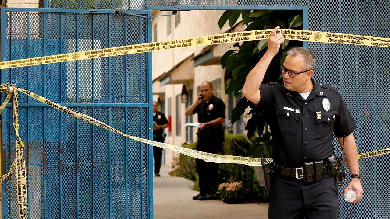 Mỹ bắt giữ nghi phạm trong vụ xả súng tại Los Angeles, 6 người thương vong - Ảnh 2