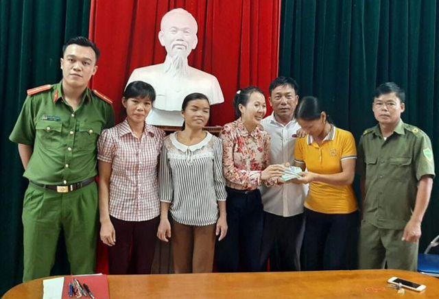 Hà Tĩnh: Tuyên dương 3 người phụ nữ trả lại gần 50 triệu đồng cho khổ chủ đánh rơi - Ảnh 1