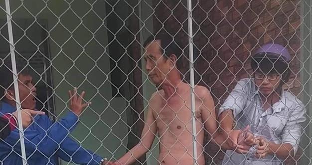 Tin tức pháp luật mới nóng nhất hôm nay 11/8: Bắt giam người đàn ông 66 tuổi khỏa thân cạnh bé gái  - Ảnh 1