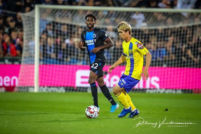 Thảm bại trước Club Brugge, HLV Sint-Truidense nói gì về Công Phượng và đồng đội? - Ảnh 1
