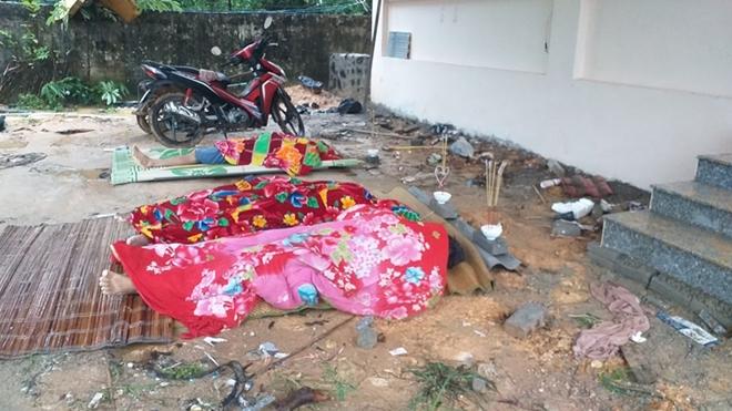 Tường bê tông đổ sập đè vào nhóm thợ xây đang ngủ, 3 người tử vong - Ảnh 1