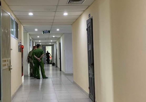 Hà Nội: Phá cửa vào nhà, vợ hốt hoảng phát hiện chồng tử vong - Ảnh 1