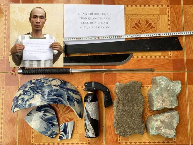 Tin tức pháp luật mới nhất ngày 11/10/2020: Thanh niên chết ven đường với vết cắt trên cổ ở Yên Bái - Ảnh 2