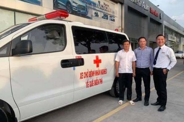 Ông Đoàn Ngọc Hải bán Mercedes S500, lấy tiền mua xe cứu thương - Ảnh 1