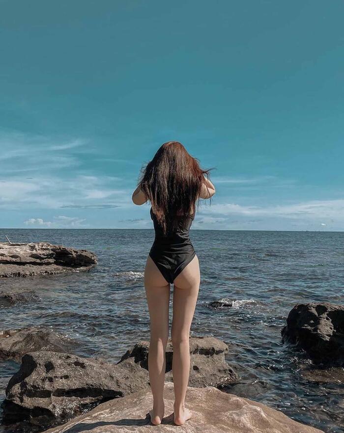 Diện bikini một mảnh, hotgirl Linh Ka khoe body đẹp miễn chê nhưng vẫn mắc phải lỗi này - Ảnh 2