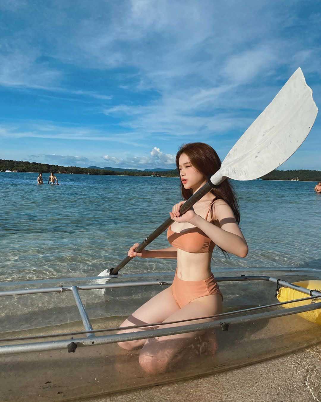 Diện bikini một mảnh, hotgirl Linh Ka khoe body đẹp miễn chê nhưng vẫn mắc phải lỗi này - Ảnh 3