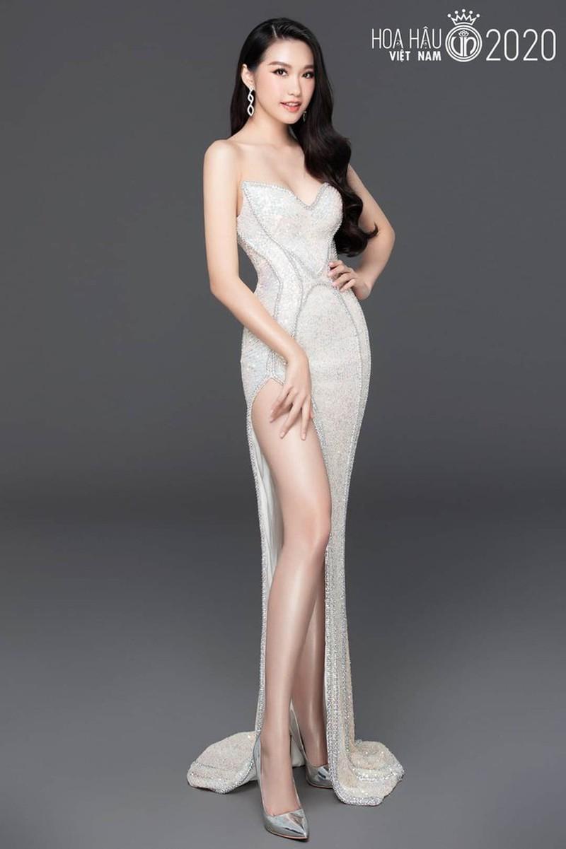 """Người đẹp có """"vòng eo nhỏ nhất"""" Hoa hậu Việt Nam lộ ảnh photoshop quá đà gây choáng - Ảnh 5"""