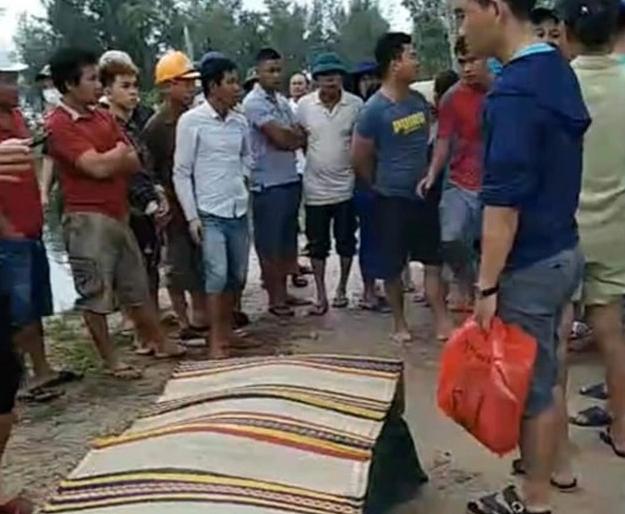 Thả lưới đánh cá trên sông, kinh hãi phát hiện thi thể bé trai - Ảnh 1