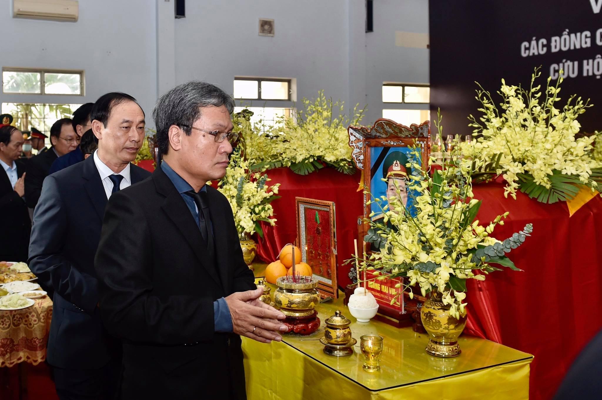 Phó Thủ tướng Trịnh Đình Dũng viếng 13 liệt sĩ hy sinh ở Rào Trăng - Ảnh 13