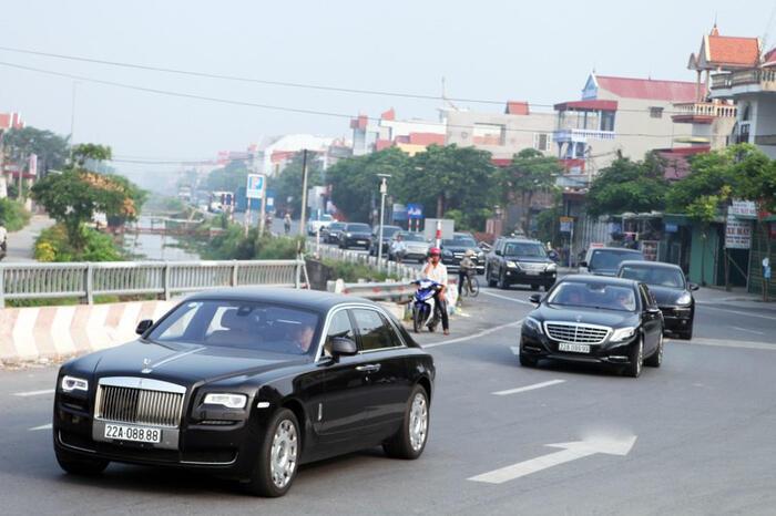 """""""Siêu đám cưới"""" ở Tuyên Quang: Đón dâu bằng Rolls Royce tứ quý 8, lâu đài siêu """"khủng"""" - Ảnh 4"""