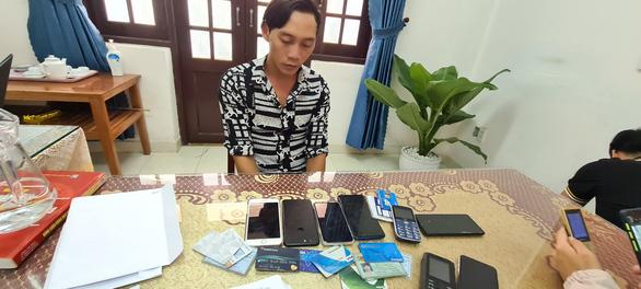 Vụ vợ người tử nạn ở Rào Trăng 3 bị lừa 100 triệu: Thông tin bất ngờ về nghi phạm - Ảnh 1
