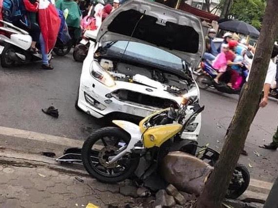 Tin tai nạn giao thông mới nhất ngày 30/10/2020: Ô tô tông xe máy, trung uý công an trọng thương - Ảnh 1