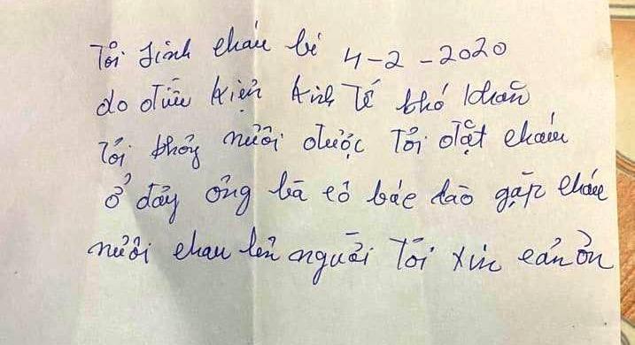 Vụ bé gái 8 tháng tuổi bị bỏ rơi trong thùng xốp: Bức thư viết tay có nội dung gì? - Ảnh 1