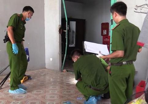 Vụ thi thể nữ đang phân hủy trong ngôi nhà bỏ trống: Người nạn nhân quấn khăn - Ảnh 1