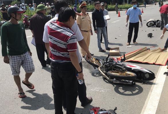 Vụ thiếu niên vượt đèn đỏ gây tai nạn, 3 người chết: Danh tính các nạn nhân - Ảnh 1
