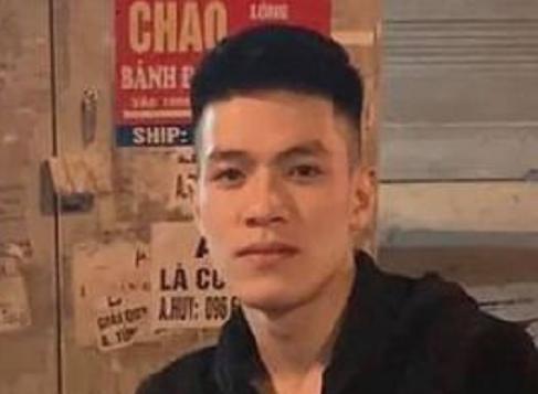 Hà Nội: Điều tra thanh niên cầm kiếm chém người đứt cơ cẳng tay, mẻ xương - Ảnh 1