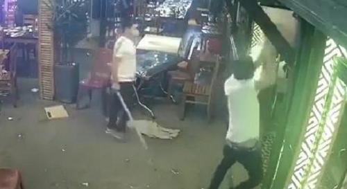 Vụ ông chủ tiệm chân gà nướng bị đâm: Nghi phạm khai được thuê với giá 10 triệu - Ảnh 1