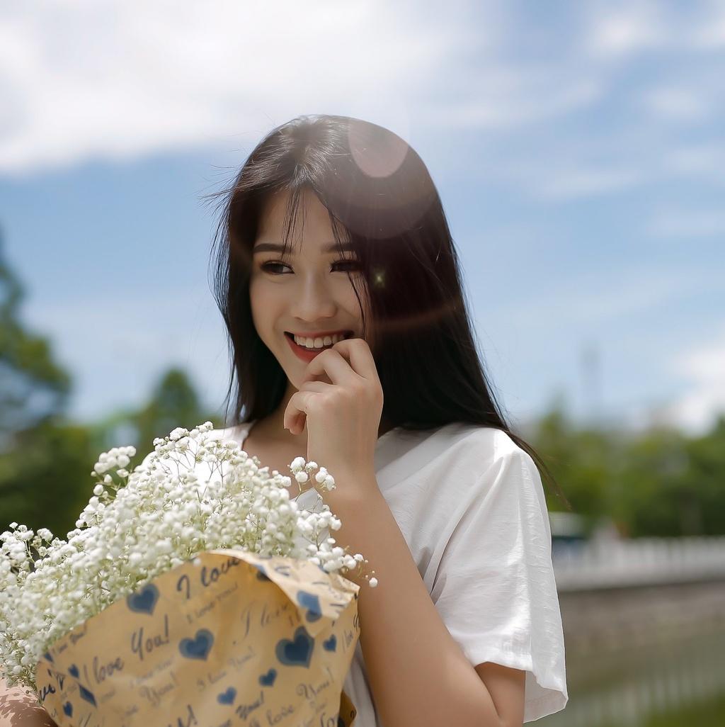 """Ngắm nhan sắc mỹ nữ có đôi chân dài 1,11m gây """"sốt"""" ở Hoa hậu Việt Nam 2020 - Ảnh 9"""
