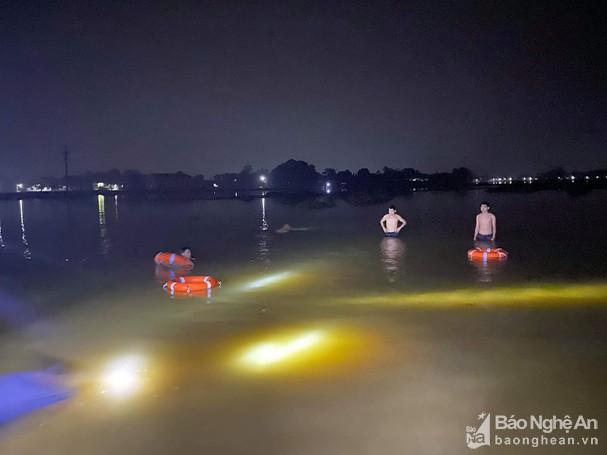 Vụ 2 bé gái ở Nghệ An đuối nước thương tâm: Tìm thấy thi thể nạn nhân - Ảnh 1