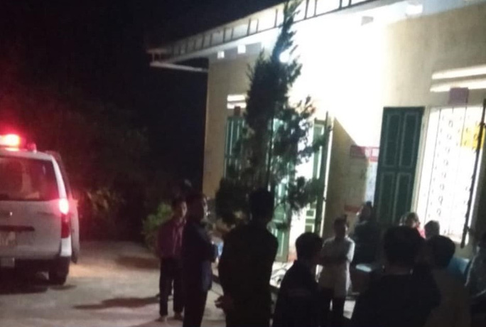 Cô giáo tiểu học tử vong trong tư thế treo cổ cạnh thi thể con trai 11 tuổi ở Yên Bái - Ảnh 1