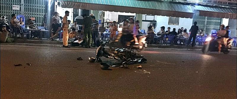 Tin tức tai nạn giao thông ngày 28/11: Diễn phun lửa trước quán nhậu, thiếu nữ bị xe tông thiệt mạng - Ảnh 1